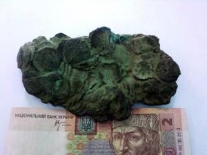 Клад из слипшихся монет