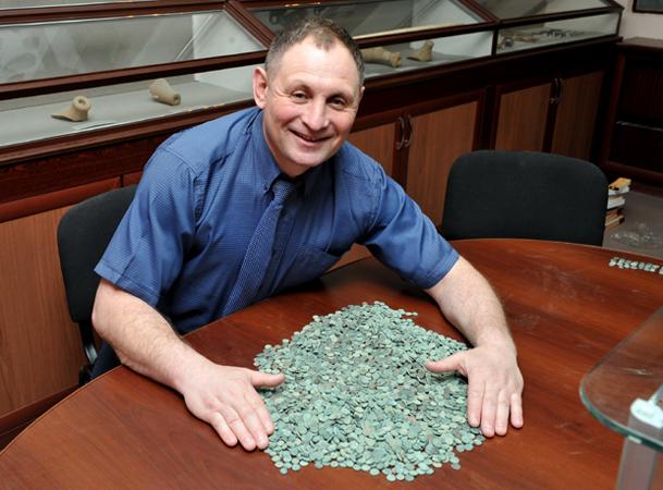 Боспорский клад из восьми тысяч античных монет