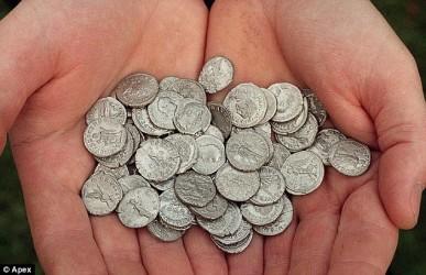 Огромный клад древнеримских и кельтских монет первого века до нашей эры