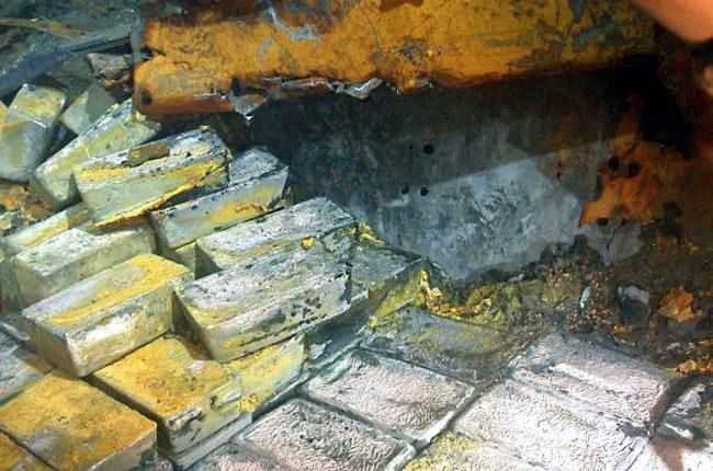 Около 48 тонн серебра поднято с затонувшего военно-транспортного корабля