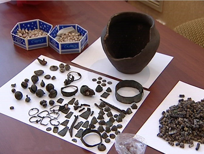 Музею подарили клад женских украшений VIII-IX вв