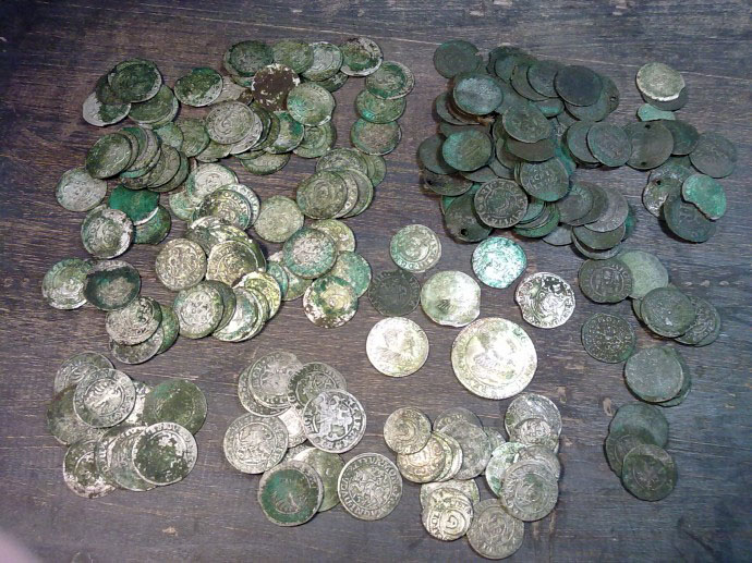 Клад монет мелкого номинала XVI-XVII веков