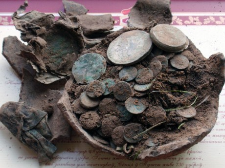 Фотографии кладов монет Великого Княжества Литовского