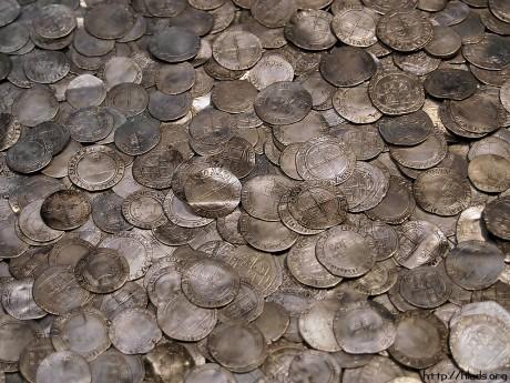 Клад серебряных монет XVII века