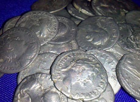 Клад римских динариев