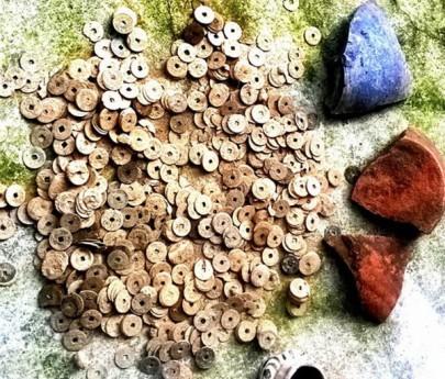 Клад  вьетнамских и китайских старинных монет
