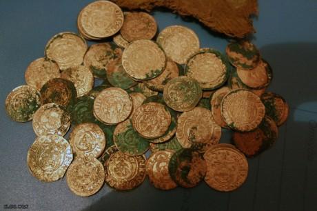 Клад монет XVII века