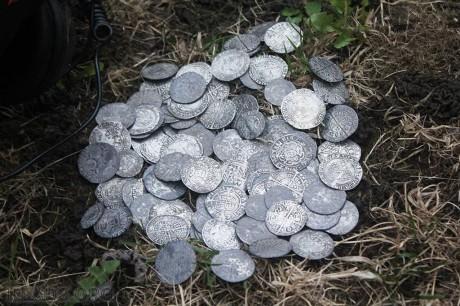 Клад серебряных монет из Великобритании