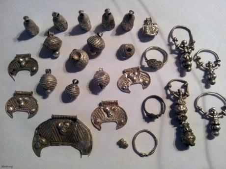 Клад серебряных украшений времён Киевской Руси