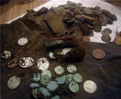 Клад серебряных и медных монет Российской империи