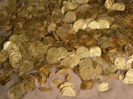Израильские дайверы нашли огромный клад золотых монет!