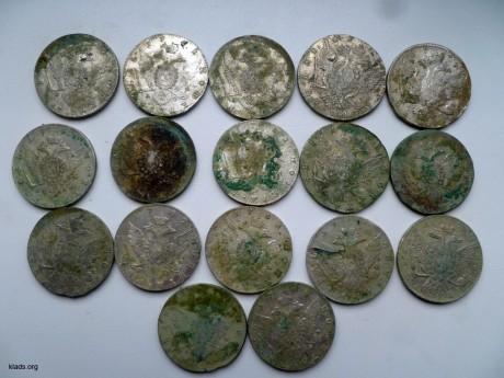 клад серебряных рублей