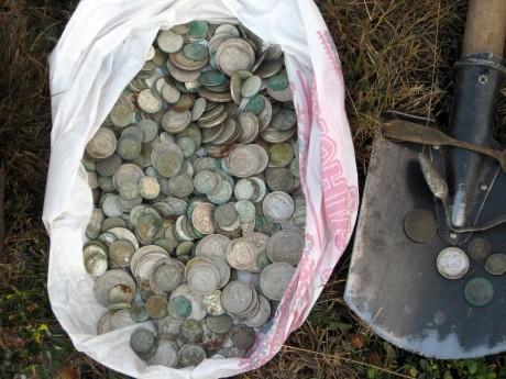 Найденный клад серебряных монет