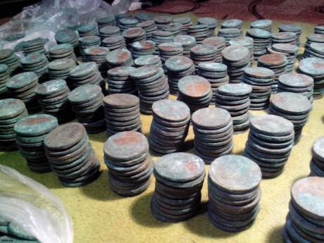 Клад медных монет периода правления Елизаветы и Екатерины