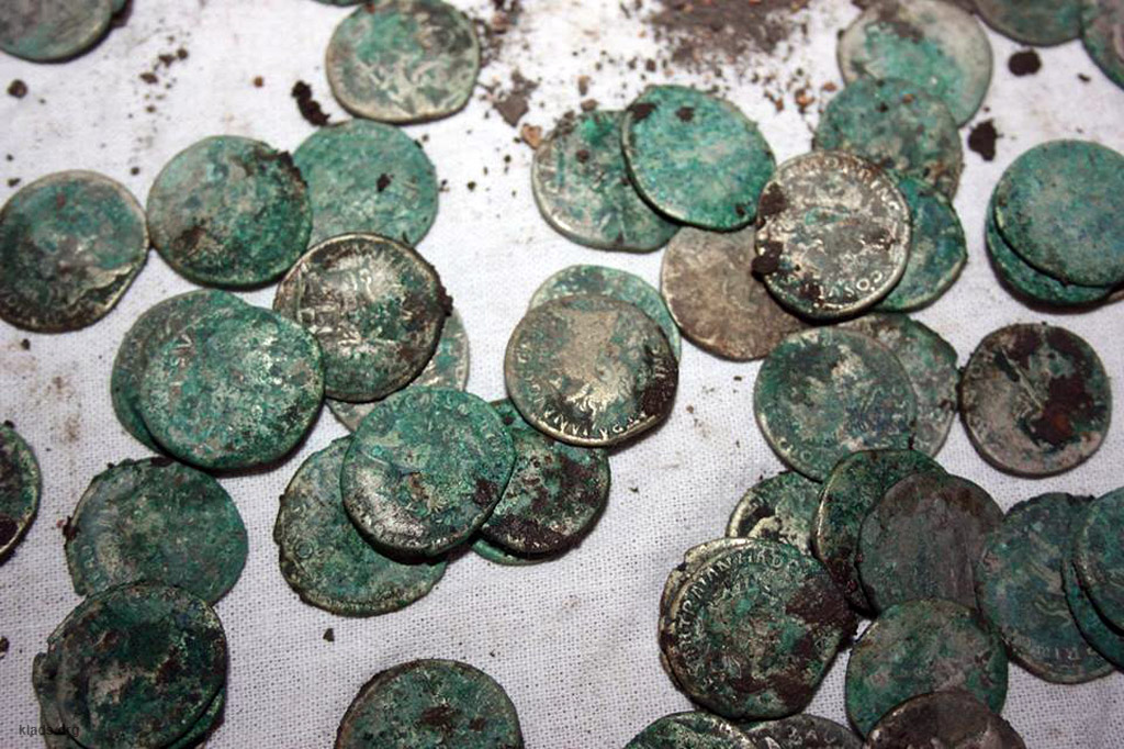 Клад римских монет :: находки кладов.