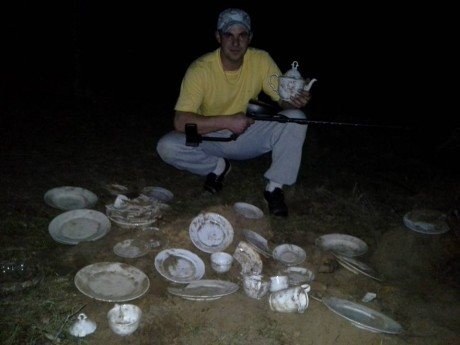 Фотографии находки клада посуды