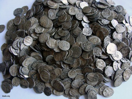 хороший клад чешуи, клад серебряных монет