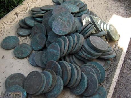 Клад монет номиналом 5 копеек Елизаветы и Екатерины