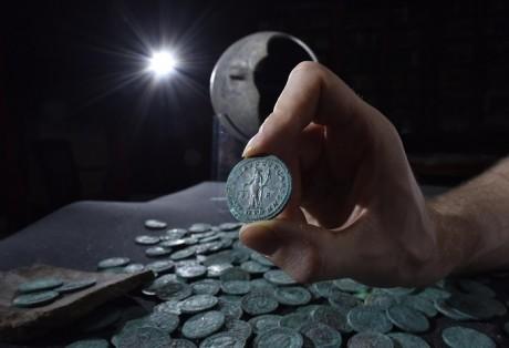КладWold Newton (клад римских монет)