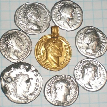 Немного римских монет