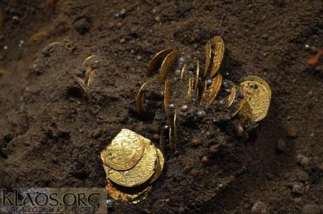 Skarb złotych monet i ozdób znaleziono w Polsce