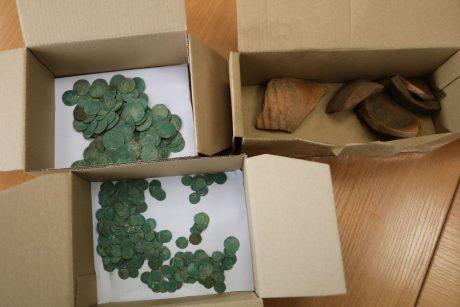 В Каунасе во время реконструкции аллеи Лайсвес рабочие нашли клад