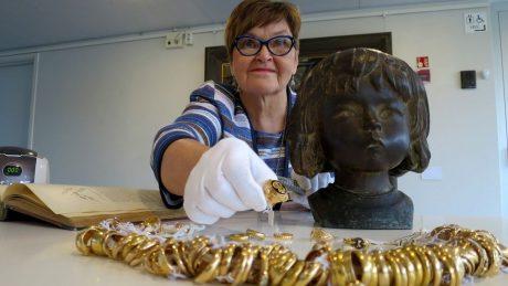 В Финляндии внутри скульптуры, переданной музею в дар, нашли клад стоимостью 30 тыс. евро
