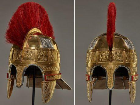 Реставраторы воссоздали драгоценный шлем из Стаффордширского клада