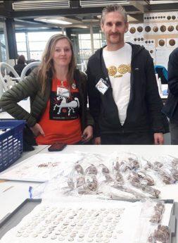 Семейная пара нашла огромный клад серебряных монет